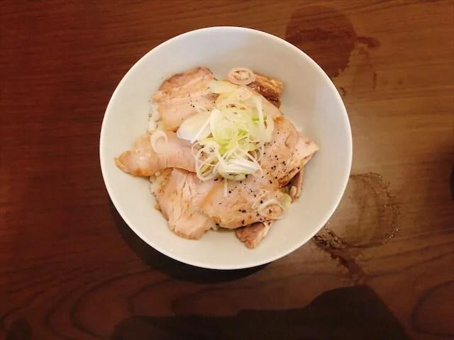 中華そば 啄木鳥のミニチャーシュー丼