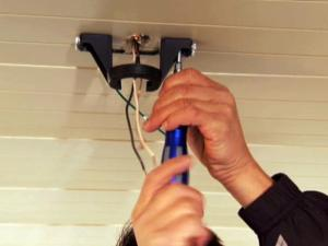 How to Hang an Outdoor Ceiling Fan | howtos | DIY