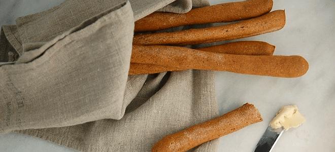 Recipe: Spelt Flaxseed Breadsticks