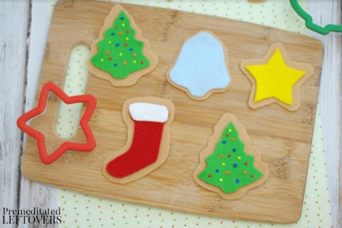 Winter break is coming. Fill each day leading up to Christmas with creative fun with these holiday crafts and activities for kids can make the wait easier.