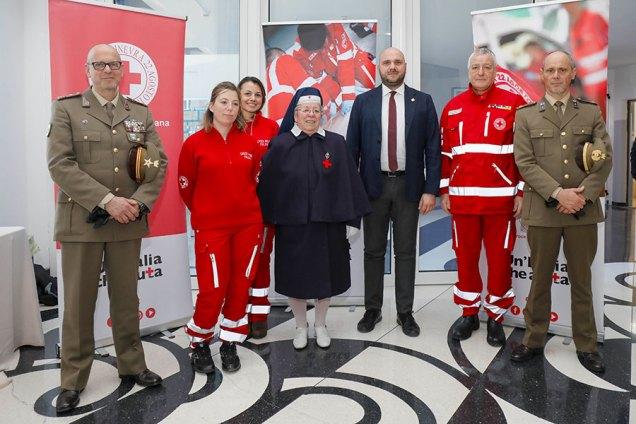 Il gruppo Croce Rossa Italiana e Flavio Ronzi