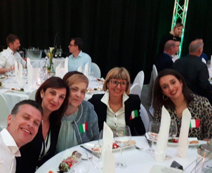 La festa per i 70 anni di Wolfcraft - lo staff della filiale italiana: Antonio Pomi con le sue collaboratrici
