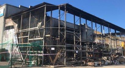 La parte esterna del Pronto Hobby Brico di Squillace danneggiata dall'incendio