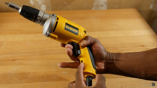 DeWalt DW272 VSR Drywall Screwdriver Review: Easy Screw