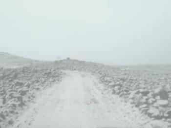 Nisan ayında Karacadağ'a kar düştü