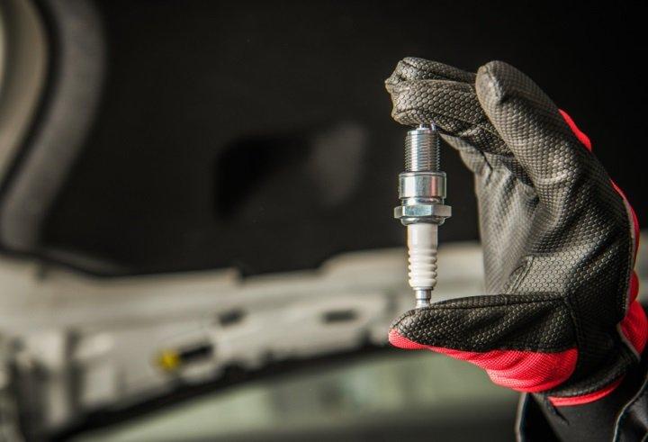 Installing New Spark Plugs