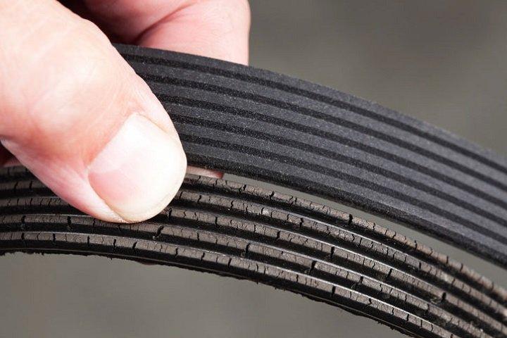 Wear Serpentine Belt