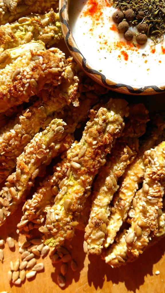 BAKED ZUCCHINI STICKS WITH SESAME AND SUNFLOWER SEEDS DIYBITES