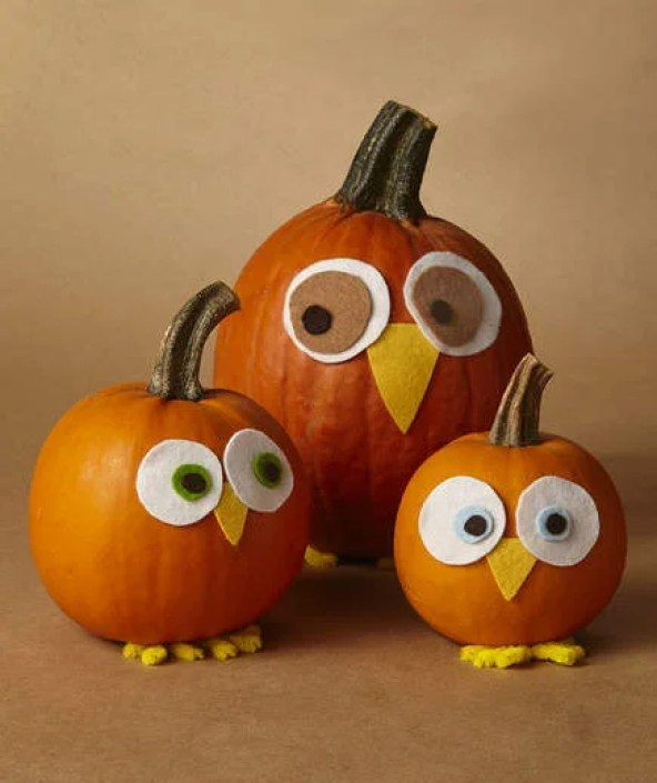 These 9 No-Carve Pumpkin DIYs are PERFECTION! They're completely safe for clumsy people as well as kids.