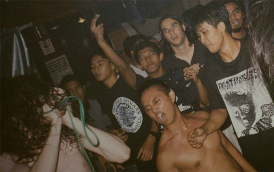 warsore in south easia asia 1998