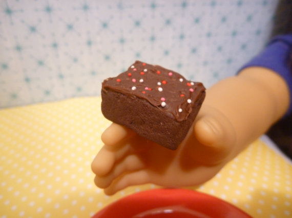 Miniature Frosted Brownie for American Girls 1: 3 by MinnieKitchen