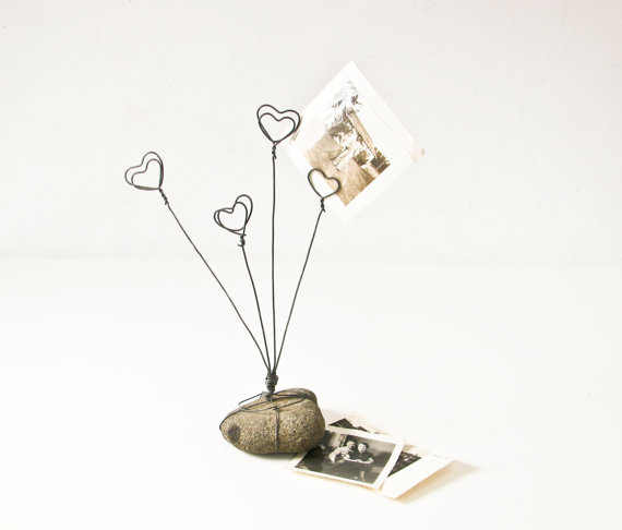Wire Photo Holder, Heart Picture Holder, Rock and Wire Picture Holder by BeeJayKay