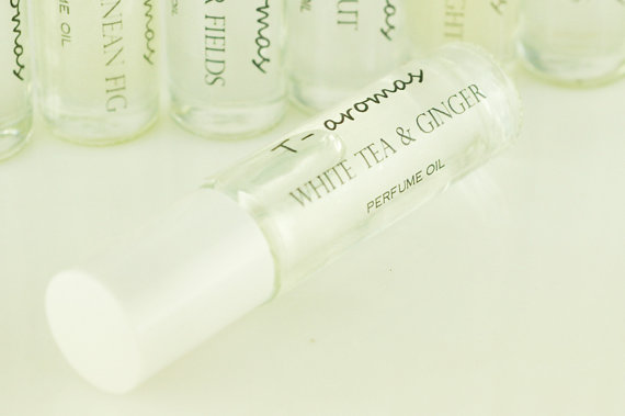 White Tea and Ginger – Roll On Perfume/Fragrance Oil by Taromas