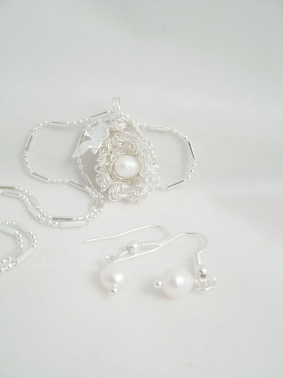 Birds One Egg Nest Fresh Water Pearl Curly Wire wire wrap Necklace and Earring Set by arlenescornershop