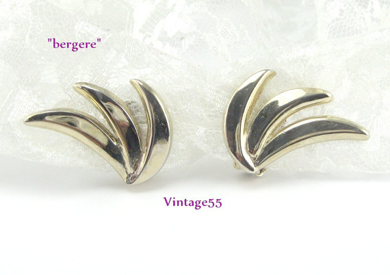 Earrings Gold tone clip on signed Bergere by Vintage55