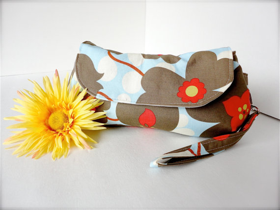 SALE – Perfect Clutch with wristlet – Amy Butler Lotus Morning Glory in Linen by shibadesigns