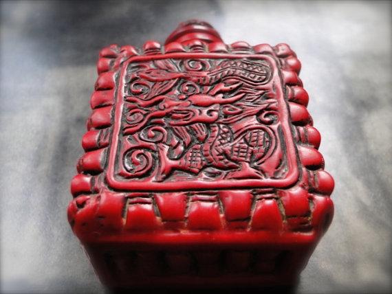 RARE Vintage Snuff Bottle / Coral Resin Zodiac Dragon Snuff Bottle / Collectibles / Asian Coral Bottle / Snuff Bottle / Home Decor by wulfgirl