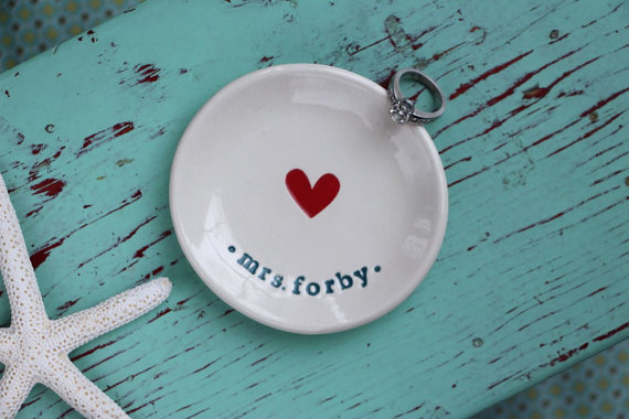 Engagement Ring Dish with Heart, Bride to Be Heart Engagement Ring Dish, Personalized Heart Ring Dish with Married Name, Heart Ring Dish by zinniadesignstc