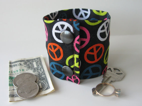 Secret Stash Money Cuff – The Colors of Peace – hide your cash, coins, key, jewels, health info in a secret inside zipper … by bluepiedesigns