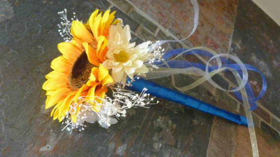 Sunflower, daisy flower girl wand, artificial flowers by DressMyWedding