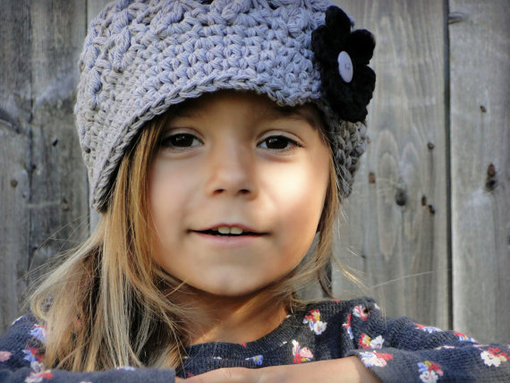 Crochet Newsboy Hat, hat with flowers, interchangeable flowers, baby hat, hat for girls by JuneBugBeanies