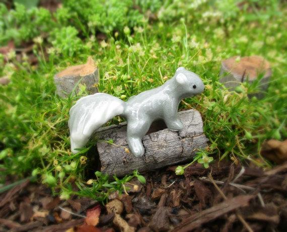 Vintage NOS Hagen-Renaker Baby Gray Squirrel Tree Climber Fairy Garden Must !! by 34Roses