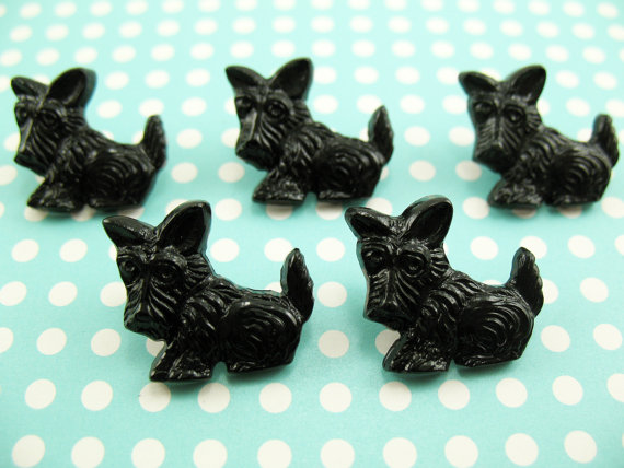 10 Vintage BLACK Plastic Scottie Dog Buttons Scotty 18mm by atomicveggiecom