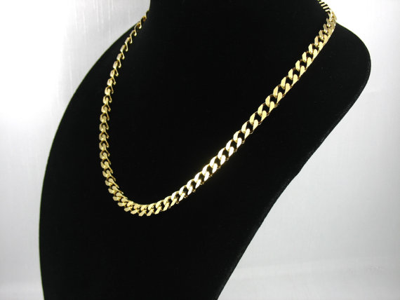 Vintage AVON 'Squared Links' Goldtone Necklace (1989) with original box. 20 inch long. Vintage Avon Necklace. Vintage Avon Jewelry by thevintagelot