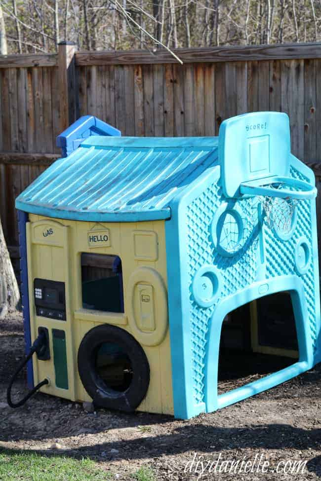 Painted Little Tikes Playhouse: After almost 2 years.