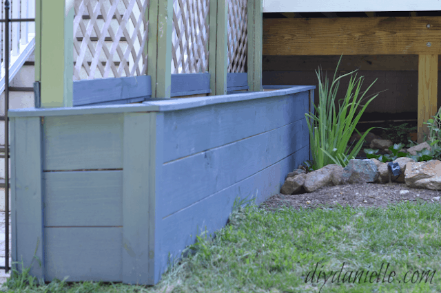 How To Build Simple Privacy Planters With Lattice Diy Danielle