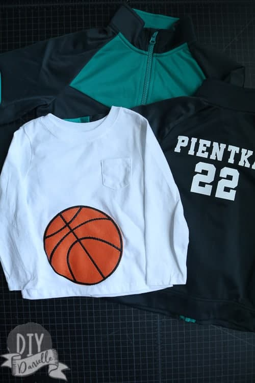 How to make a basketball team family costume for Halloween!