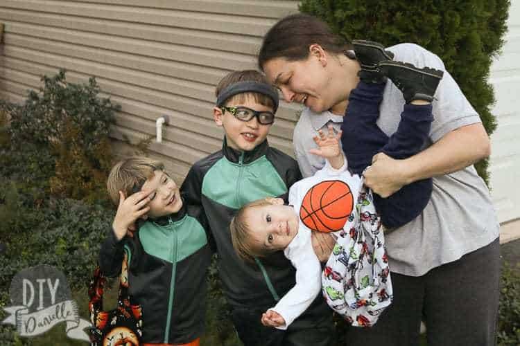 Basketball team family costume.