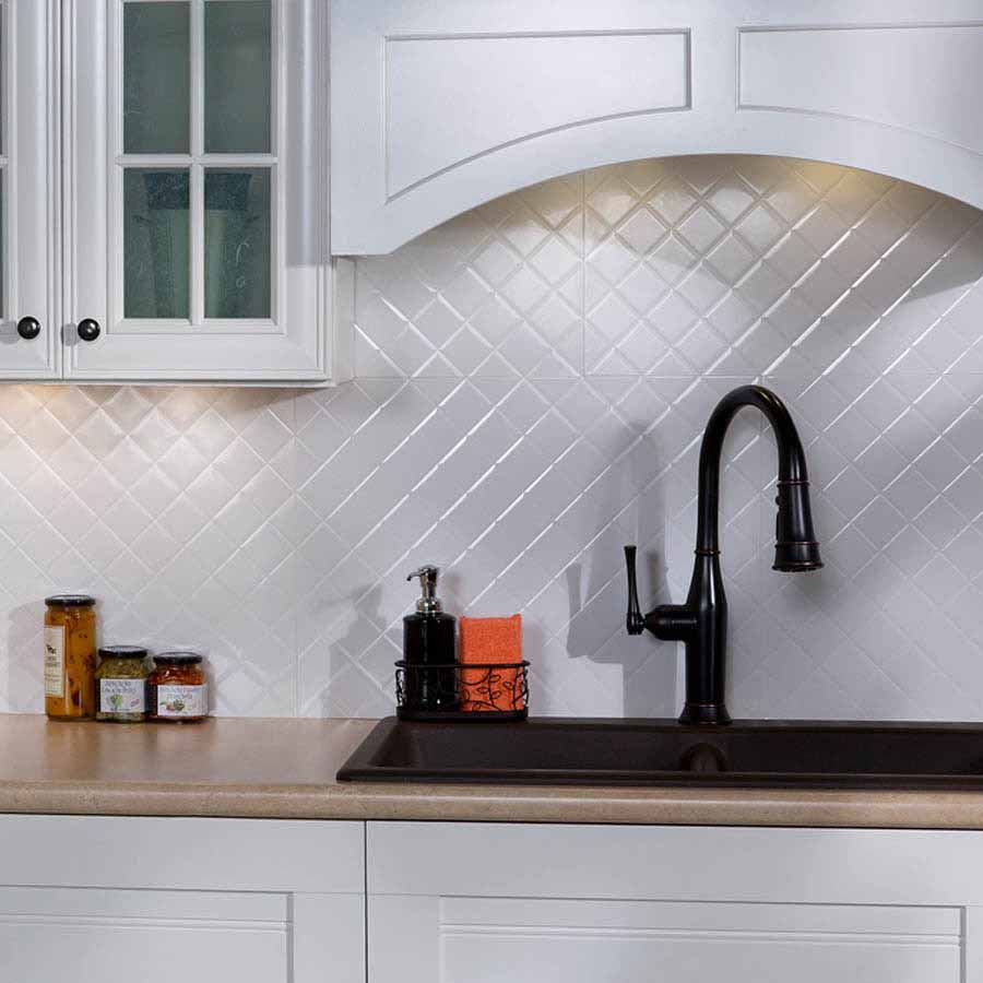 Fasade Backsplash - Quilted in Gloss White