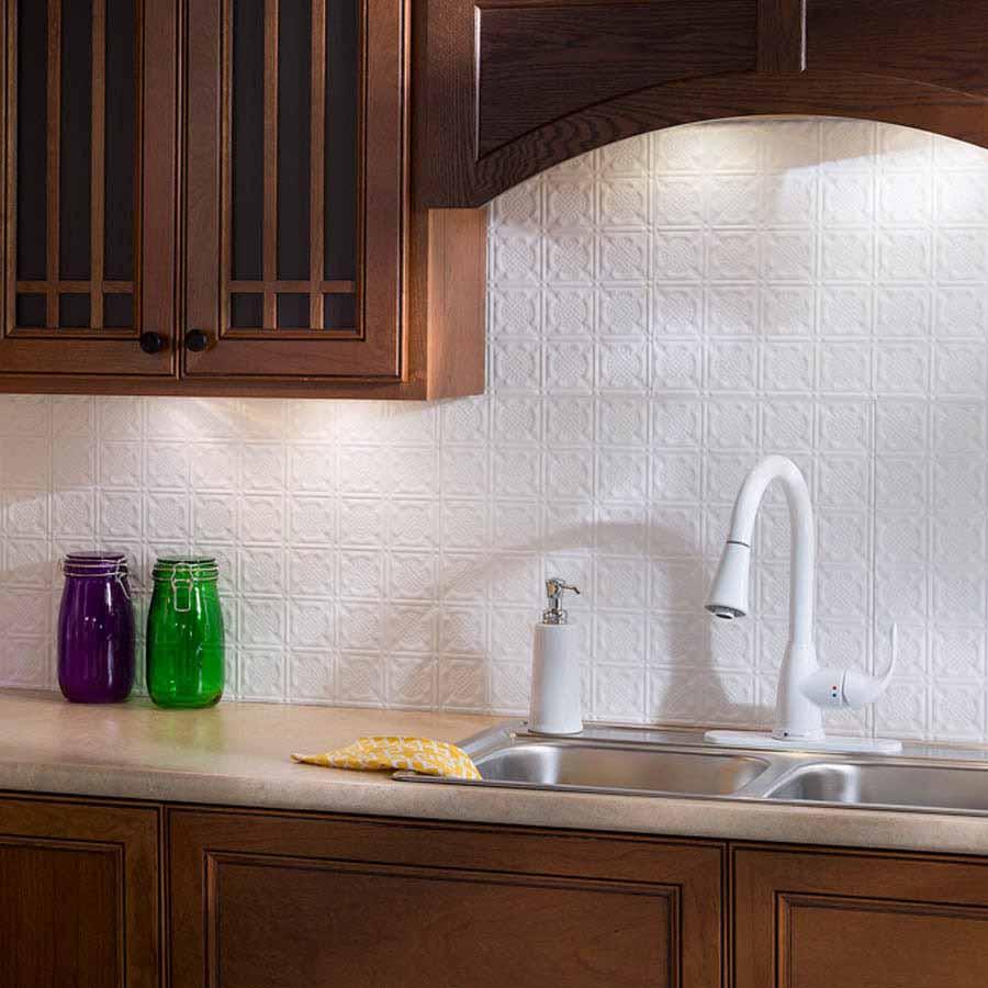 Fasade Backsplash - Traditional 6 in Matte White