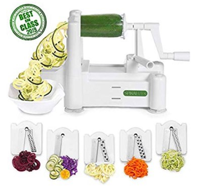 Kitchen tools: veggie spiralizer