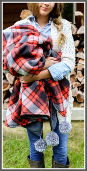 Easy DIY Blanket Fleece with Pom Poms