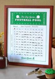 Super Bowl Party: Football Squ