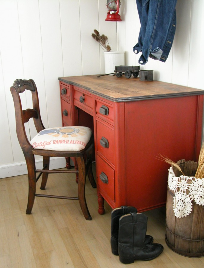 Farmhouse Red Desk Makeover - by Prodigal Pieces