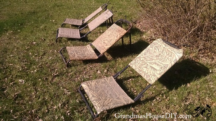 (Before) Hunting Chairs to DIY Sun Loungers - by Grandma's House DIY