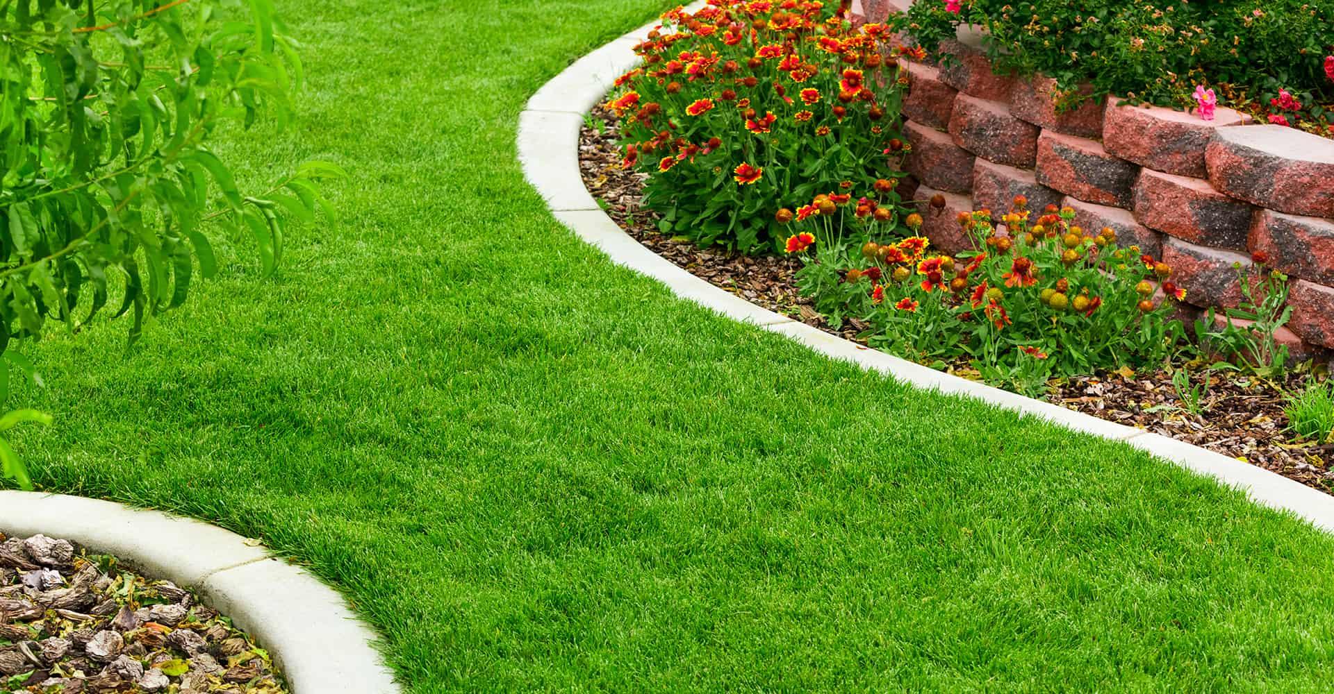 66 Creative Garden Edging Ideas To Set Your Garden Apart on Patio And Grass Garden Ideas  id=11488