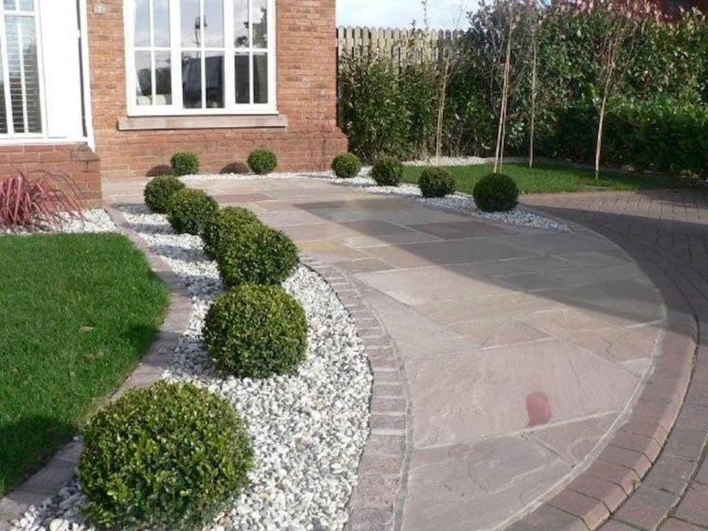 30 Creative Front Garden Ideas That'll Inspire You   DIY ... on Long Patio Ideas id=56155