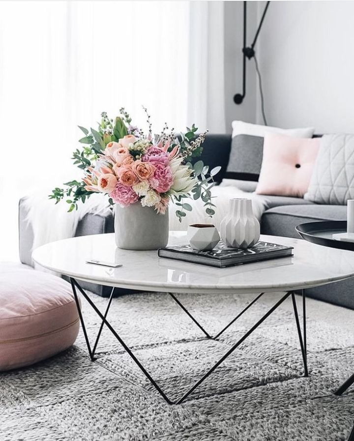 Accessorize A Round Coffee Table