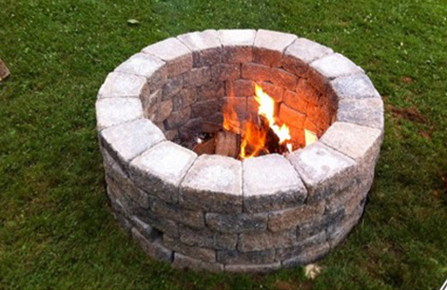 DIY Outdoor Fireplace for Back Yard on Diy Outdoor Fire  id=70588