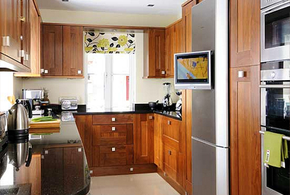 Small Kitchen Designs Ideas Pictures & DIY Remodel Tips on Tiny Kitchen Remodel Ideas  id=41597