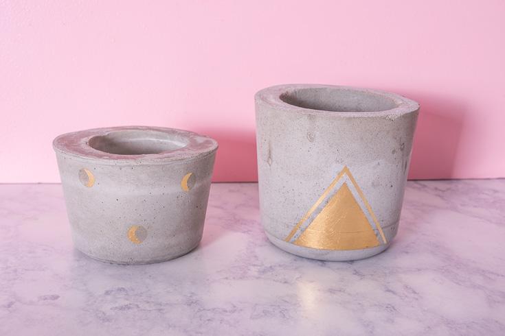 .DIY concrete and gold plant pots