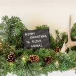 Fireplace Christmas mantel decorations #Christmas #decor #mantel