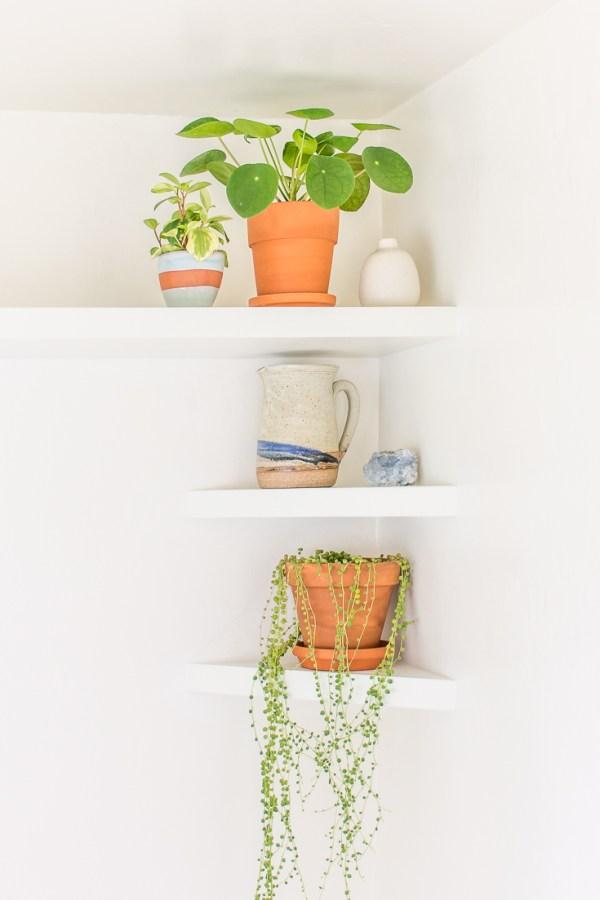 My Breakfast Nook DIY Floating Shelves