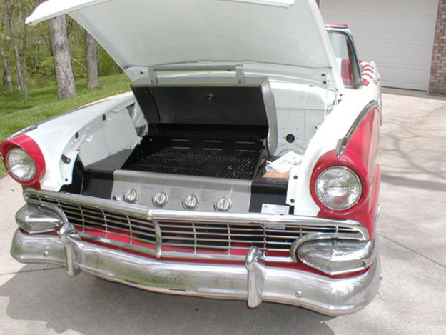 Repurposed Car Parts Ideas - DIY Grilling Station from Vintage Car - DIY Projects & Crafts by DIY JOY at http://diyjoy.com/upcycling-diy-projects-car-parts