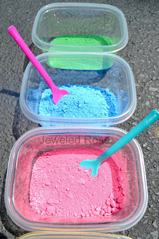 Fun & SImple Crafts Ideas for Kids | DIY Powder Paint | DIY Projects & Crafts by DIY JOY at http://diyjoy.com/pinterest-crafts-for-kids-diy-paint