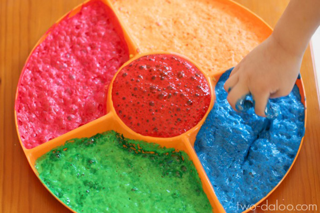 Easy DIY Crafts for Kids to Make | Magical Foaming DIY Scented Paint | DIY Projects & Crafts by DIY JOY at http://diyjoy.com/pinterest-crafts-for-kids-diy-paint